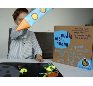 Pudło Nienudno - Kosmos - zestaw do zabawy kreatywnej
