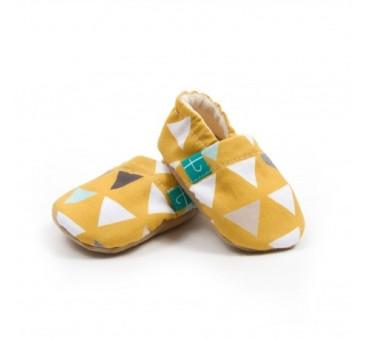 Papcie dziecięce - Titot - Triangles On Mustard - rozmiar 3-9 miesięcy
