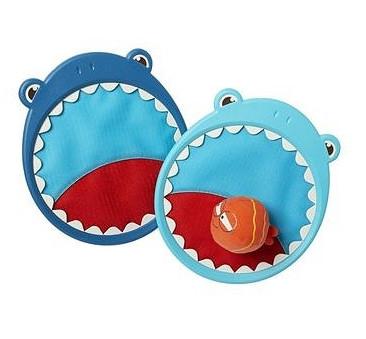 Gra zręcznościowa - para łapek na rzep + piłka - Rekin - Critter Catchers, Finley the Shark - Btoys