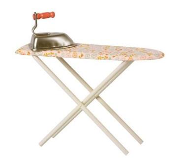 Zestaw do Prasowania w Musztardowe Kwiaty - Iron & Ironing Board - Akcesoria dla Lalek - Maileg